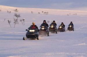 ski-team-buiding